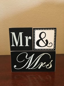 Block Mr + Mrs Sign