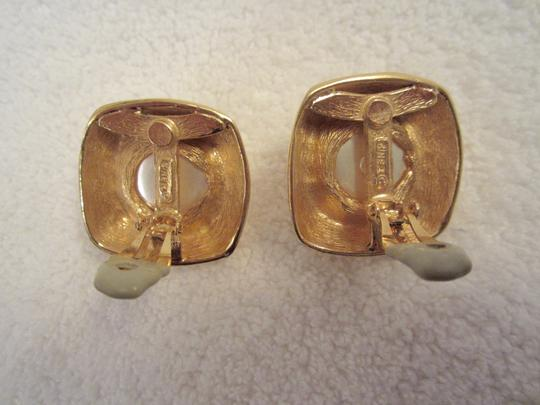 Other Ciner Vintage Gold Plated Pearl Cabochon Clip Earrings SIGNED Huge Image 3