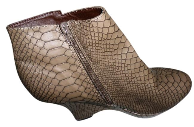 Item - Taupe Zahara Print Ankle Boot Wedges Size US 10 Regular (M, B)