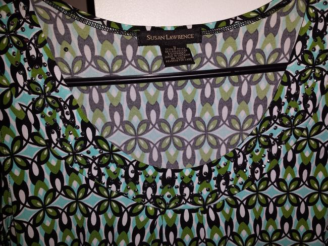 Susan Lawrence Green/White/Black Print Decorated/Studded Be Worn Slacks Or Skirt And Blazer Or Jeans As Casual Wear Top Green/Black/White with silver studded neckline