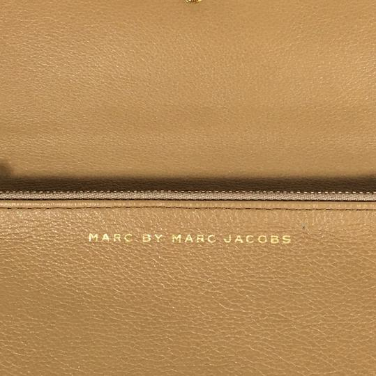 Marc by Marc Jacobs Marc By Marc Jacobs Natural Leather Wallet Image 6
