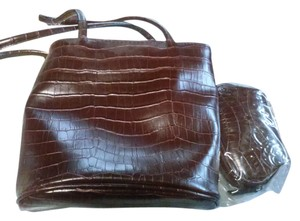Bueno Collection Tote in Brown burgundy