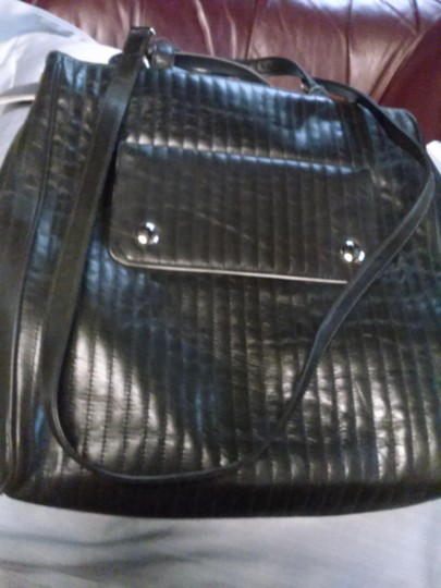 Preload https://img-static.tradesy.com/item/14593672/kenneth-cole-new-quilted-black-leather-tote-0-1-540-540.jpg