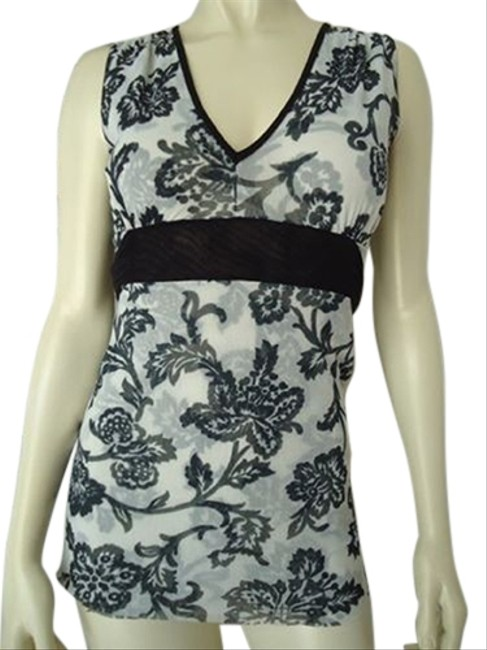 Preload https://img-static.tradesy.com/item/14594341/white-house-black-market-nylon-stretch-sleeveless-v-neck-top-floral-classy-0-1-650-650.jpg
