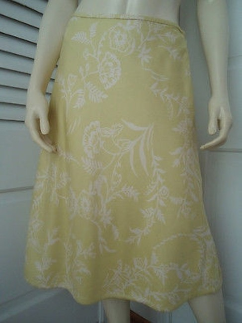 Preload https://img-static.tradesy.com/item/14594461/ann-taylor-skirt-textured-silk-citron-white-floral-a-line-lined-classy-0-0-650-650.jpg