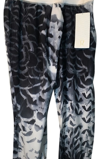 Preload https://img-static.tradesy.com/item/14595112/lululemon-multicolor-dance-to-yoga-activewear-bottoms-size-8-m-29-30-0-1-650-650.jpg
