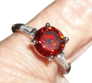 Unknown Sterling Silver Ruby Red Gemstone Ring. Size 6