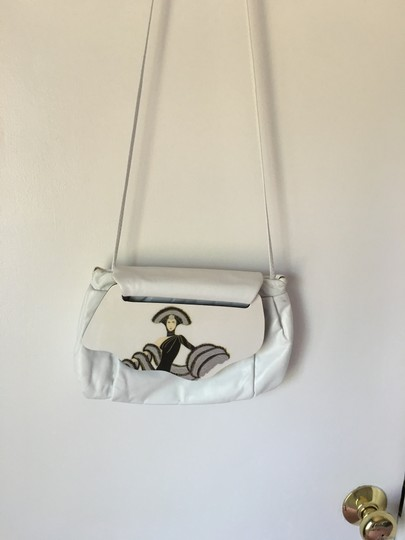 Artistry High Class Fine Leather The Best Quality Eye Catching Shoulder Bag Image 4