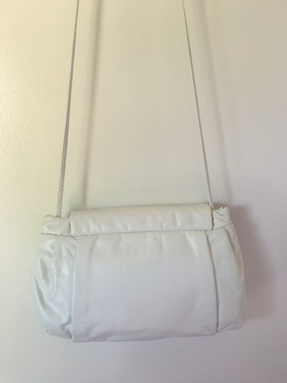 Artistry High Class Fine Leather The Best Quality Eye Catching Shoulder Bag Image 6