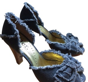 Richard Tyler Peep Toe Heels Denim Blue Pumps