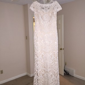 BHLDN Ivory Lace Over Nude Slip Traditional Wedding Dress Size 8 (M)