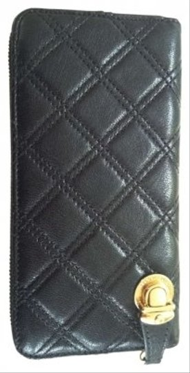 Marc Jacobs Name: MARC JACOBS Leather Quilted Deluxe Zip Wallet Description: MARC JACOBS diamond quilted black leather zip wallet