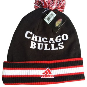 adidas Chicago Bulls Cuffed Knit Pom