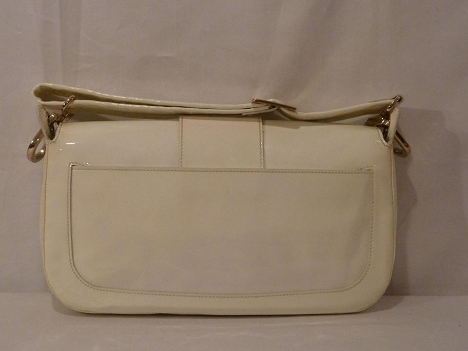 6ce82fbb9849 Roger Vivier Cream Patent Leather Shoulder Bag - Tradesy