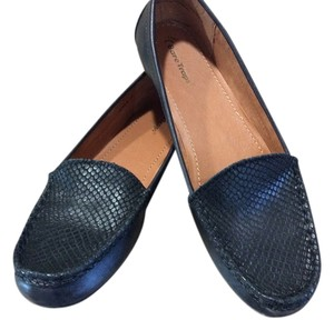 Bare Traps Black Leather Flats
