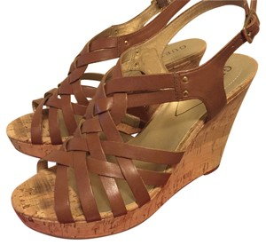 Guess Medium Brown Platforms