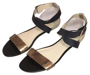 Enzo Angiolini Black and Gold Sandals