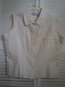Jaclyn Smith Button Down Shirt Off white