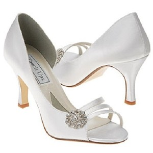 Touch Ups White - Dyeable Sharmin Pump Formal Size US 7.5 Regular (M, B)