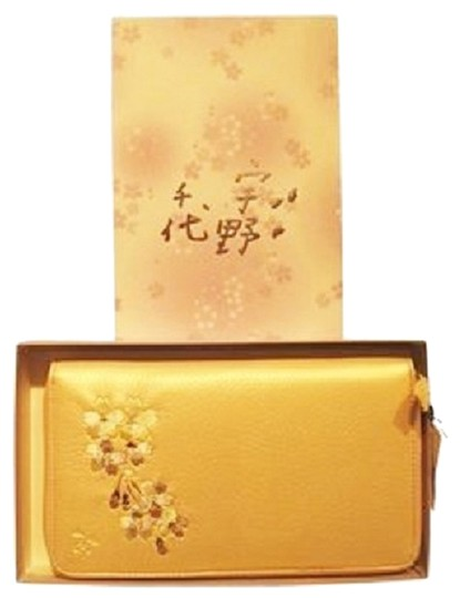 Preload https://item2.tradesy.com/images/other-travel-wallet-pink-pearl-embroidered-leather-1461346-0-2.jpg?width=440&height=440