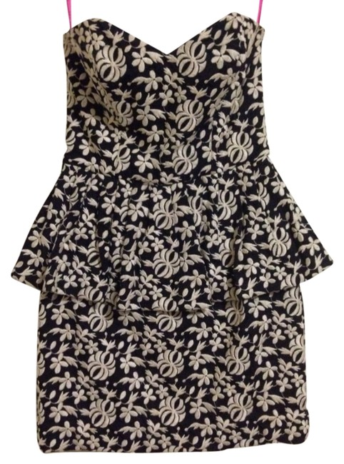 Preload https://item2.tradesy.com/images/betsey-johnson-black-and-white-peplum-cocktail-dress-size-6-s-1461476-0-0.jpg?width=400&height=650
