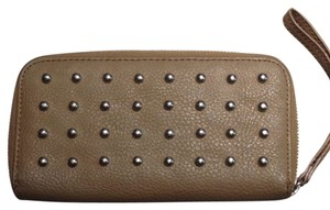Line & Dot Wristlet in Tan/silver