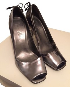 Jessica Simpson Silver Black Pumps