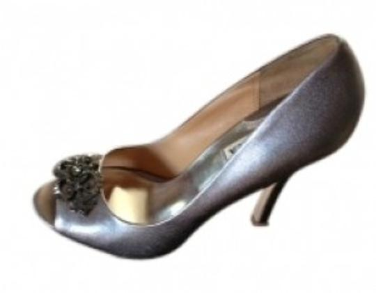 Preload https://item5.tradesy.com/images/badgley-mischka-pewter-name-the-susan-silver-with-jewelry-formal-shoes-size-us-75-regular-m-b-14619-0-0.jpg?width=440&height=440