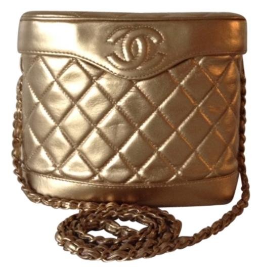 Preload https://item1.tradesy.com/images/chanel-authenticchanel-vintage-binocular-style-gold-leather-cross-body-bag-1461910-0-0.jpg?width=440&height=440