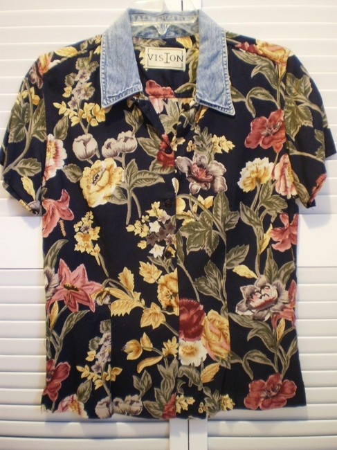Vision New Floral Rayon Shirt Button-down Top Size 10 (M) Vision New Floral Rayon Shirt Button-down Top Size 10 (M) Image 1