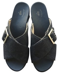 Dr. Scholl's dark grey Sandals