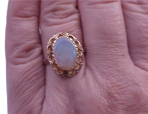 Art Deco 10K Yellow Gold Filigree Ring with Finest Australian Fiery Opal 1950s