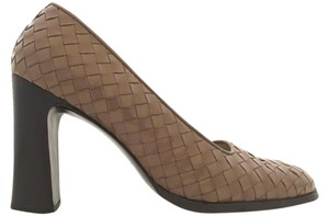 Bottega Veneta Leather Tan Woven Patent Leather Pumps