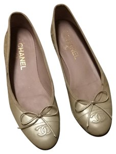 Chanel Ballerines Patent Leather Golden Ivory Flats