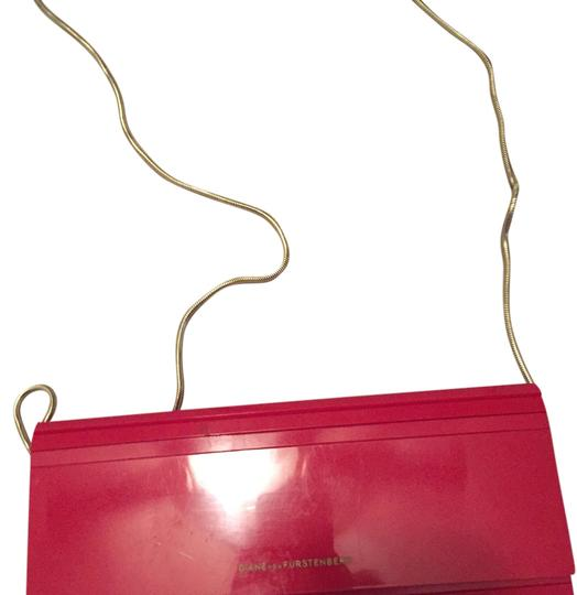 Preload https://img-static.tradesy.com/item/14630473/diane-von-furstenberg-red-cross-body-bag-0-1-540-540.jpg