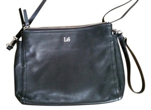 Lo & Sons Leather Crisscross Strap Classic Cross Body Bag