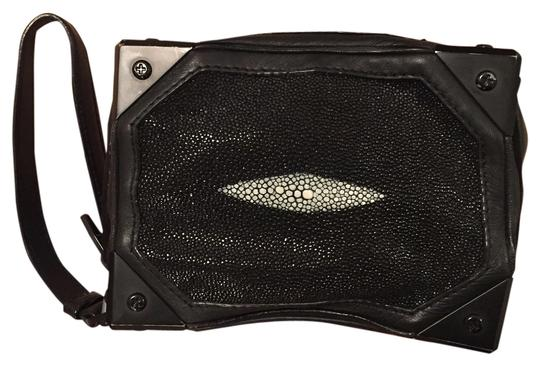 Preload https://img-static.tradesy.com/item/14640352/alexander-wang-clutch-0-2-540-540.jpg