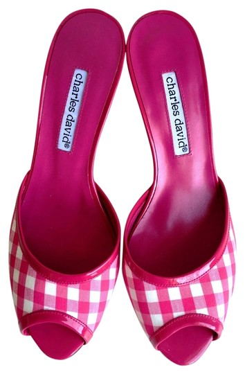 Preload https://item5.tradesy.com/images/charles-by-charles-david-pink-gingham-checkered-mulesslides-size-us-6-regular-m-b-1464199-0-3.jpg?width=440&height=440