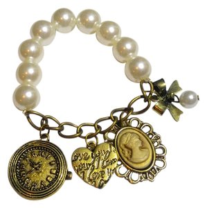 Antiqued Gold Glass Pearl Charm Bracelet Cameo Clock Heart White J2407