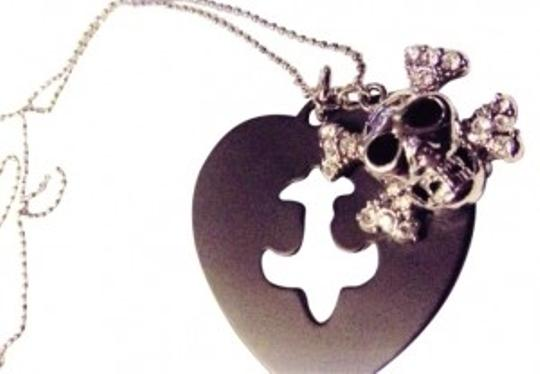 Preload https://item3.tradesy.com/images/black-silver-awesome-skull-gothic-punk-biker-new-necklace-146492-0-0.jpg?width=440&height=440
