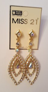 Gorgeous Wedding Earrings Gold Plated