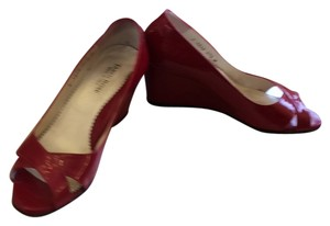 Taryn Rose Red patent Wedges