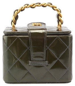 Chanel Chanel Vintage Cupcake Green Quilted Patent Leather Cosmetic Bag (81177)