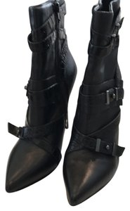 Guess Blk leather Boots