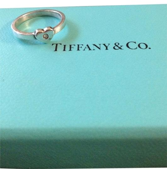 Preload https://item2.tradesy.com/images/tiffany-and-co-1466251-0-0.jpg?width=440&height=440