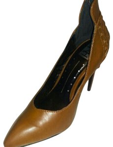Fahrenheit Brown Pumps