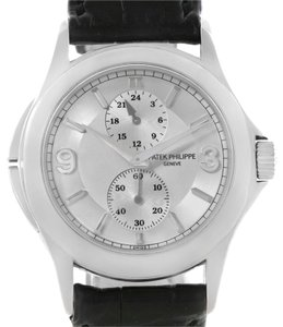 Patek Philippe Patek Philippe Travel Time 18k White Gold Watch 5134G