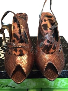 Sam Edelman Brown Psychedelic Pumps