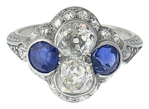Code Vintage Enchanting Art Deco Diamond & Sapphire Platinum Ring, Circa 1920