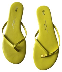 Gap Yellow Flats